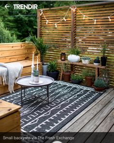 built ins for a contained/defined area Budget Patio, Private Patio Ideas, Boho Garden Ideas, Backyard Deck Ideas On A Budget, Deck Decorating Ideas On A Budget, Outdoor Deck Decorating, Deck Renovation Ideas, Garden Bbq Ideas, Creative Deck Ideas