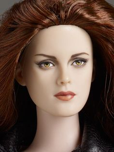 "#pin2win Close up of #Twilight New Moon Bella Cullen $189.99  Dressed Tonner Character Figure™      Kristen Stewart head sculpt      16"" Tyler bending wrist body      LE 500"