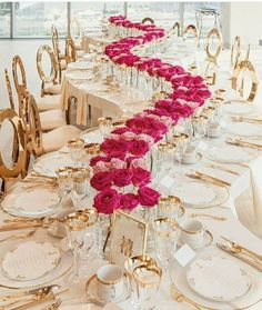 wedding trends 2019 luxury elegant blush gold wavy table with pink red roses in vace tablerunner agistudio Gold Wedding Decor Perfect Wedding, Dream Wedding, Wedding Day, Magical Wedding, Diy Wedding, Luxury Wedding, Star Wedding, Spring Wedding, Wedding Bride