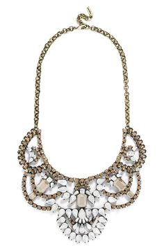 Adding this gorgeous statement necklace to an ensemble to create an effortlessly chic ensemble