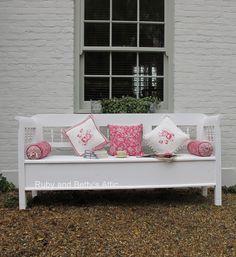 Beautiful painted bench.  rubyandbetty'satt...
