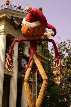 another prime time to visit disneyland is during halloween time! the whole park gets a halloween makeover including the characters and a few rides. the haunted mansion is the best october- december! Easy Halloween Decorations, Halloween Home Decor, Outdoor Halloween, Outdoor Christmas Decorations, Halloween House, Spooky Halloween, Christmas Diy, Halloween Music, Halloween 2014
