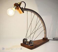Bespoke upcycled bike lighting by MetroUpcycle on Etsy - Diy Interior Design Industrial Lighting, Industrial Style, Vintage Industrial, Diy Luz, Diy Luminaire, Creation Deco, Cool Lamps, Bike Art, Metal Art