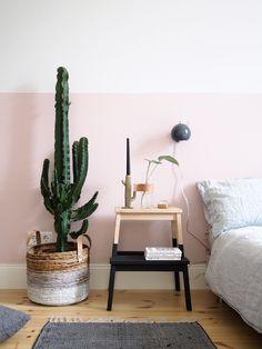 idee-deco-peinture interieur maison-rose-pastel-mur-bicolore-chambre