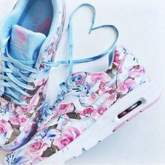 competitive price 5f625 50f3f Floral Floral Nikes, Floral Nike Shoes, Melissa Shoes, Runs Nike, Running  Shoes