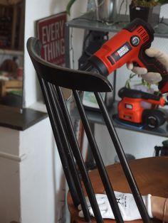 Réalisez la même opération sur les autres éléments de la chaise. #DIY #Bricolage