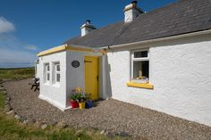 The Yellow Cottage, Doolin - Cottages for Rent in Wexford, County Clare, Ireland Irish Cottage, Old Cottage, Single Bedroom, Double Bedroom, Ireland Vacation, Ireland Travel, Scotland Culture, Travel Directions, Clare Ireland