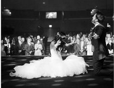 One of my fav worship artist Kari Jobe worshiping at her wedding!! so beautiful! Must do!