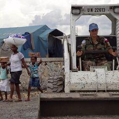 A ONU relançou o Banco de Talentos de Mulheres Experientes (Senior Women Talent Pipeline em inglês) que se insere nos esforços iniciados pelo ex-secretário-geral Ban Ki-moon de aumentar a participação de mulheres em cargos de liderança (níveis D-1 e D-2). O atual secretário-geral António Guterres assumiu o compromisso de alcançar a igualdade de gênero nas operações de paz das Nações Unidas até 2026.  A ONU busca mulheres talentosas qualificadas íntegras e identificadas com os valores da…