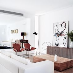 Casa Cambrils, Madrid, Spain, designed by Ábaton Architects. Note the pair of 1957 Paulistano Chairs, designed by Brazilian architect Paulo Mendes da Rocha for Objekto. #meandmybentley