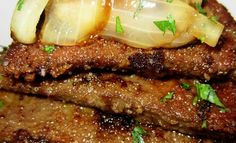 Irish Lassie's Liver and Onions Recipe Tender calf's liver is simmered with sweet onion in a rich gravy in this traditional dish. Liver And Bacon, Liver And Onions, Beef Liver, Onion Recipes, Irish Recipes, Meat Recipes, Cooking Recipes, Recipies, Chicken Recipes