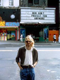 Kurt Cobain of Nirvana Nirvana - 1993. Vestidos Sociais, Fundo, Homens,  Estilo 5786efa04b
