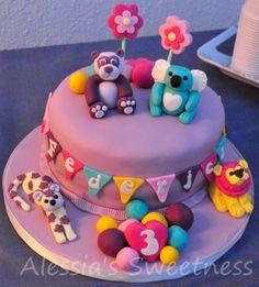 Lion panda koala and leopard - Cute animals girly cake Cupcake Cakes, Cupcakes, Girly Cakes, Panda, Lion, Cute Animals, Birthday Cake, Sweet, Desserts