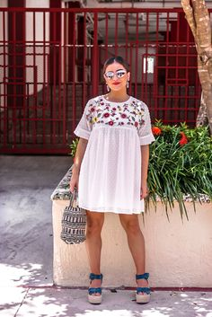 10 Summer Dresses You Can Wear with Booties for Fall - Deringa Curvy Girl Outfits, Curvy Girl Fashion, Summer Outfits Women, Casual Summer Outfits, Spring Outfits, Plus Size Outfits, Plus Size Fashion, Cute Outfits, Summer Dresses
