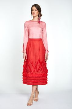 This distinguished midi length in coral organza is constructed on double layer A-line. Wear it waist high for added elegance. The geometrical rhomboid fringe pattern adds to the beauty of this garment. Great for a night out or an easy weekend brunch. Lace Skirt, Midi Skirt, Silk Organza, Best Wear, Night Out, Coral, Ootd, Bow Ties, Elegant