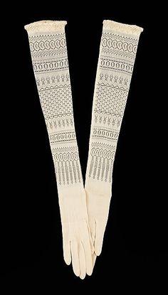 silk evening gloves | 1900-1910 | #vintage #1900s #fashion