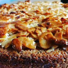 Toscapinta ja ohje hyvään kakkupohjaan. Tosckakkuresepti minkä avulla onnistut varmasti leipomaan herkullisen kakun. French Toast, Breakfast, Food, Morning Coffee, Eten, Meals, Morning Breakfast, Diet