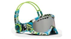 skull candy headphones goggle 500x278 Ridiculous Looking Headphones and Matching Ski Goggles