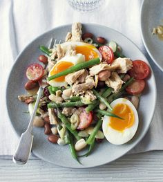 Get all the protein you can in this lighter riff on the Nicoise. Tuna, beans and egg will keep you full for longer.