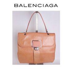 Bolsa Balenciaga por 3x de R$ 463,33 sem juros  #_prettynew #Balenciaga #ShopOnline #CouroDeArraia