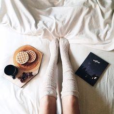 Breakfast in bed// Instagram: @mrskmarino
