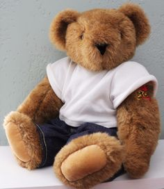 "Vermont Teddy Bear 16"" Mama's Boy MOM Heart Tattoo Light Brown Jointed Jeans Tee…"