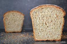 Chleb pszenno-orkiszowy, z ostropestem i nutą kolendry