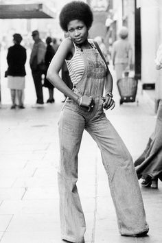 vintage everyday: Afro: The Popular Hairstyle of African-American People in the . - vintage everyday: Afro: The Popular Hairstyle of African-American People in the Late and - 70s Black Fashion, Vintage Street Fashion, Retro Fashion, Retro Mode, Vintage Mode, Vintage Style, Street Style Trends, Mode Pin Up, 70s Outfits