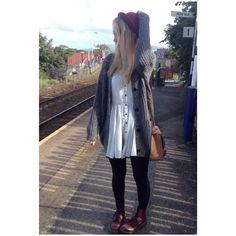 Autumn outfit! #autumnfashion #ootd #autumnoutfit #docmartens #hat