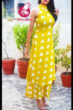 Sharara Designs, Kurti Neck Designs, Kurta Designs Women, Kurti Designs Party Wear, High Neck Kurti Design, Dress Indian Style, Indian Fashion Dresses, Indian Designer Outfits, Printed Kurti Designs
