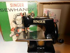 Antique Singer Childs TOY Sewing Machine SEW Childrens OLD Model NO 20 Sewhandy