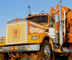 Kenworth Logger. Very fine looking truck.