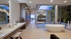 Casa minimalista Beverly Hills / McClean Design, California, EE.UU. http://www.arquitexs.com/2014/06/Casa-minimalista-Beverly-Hills-House-McClean-Design.html