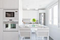 Cucina in stile in stile Moderno di Basoa Decoración