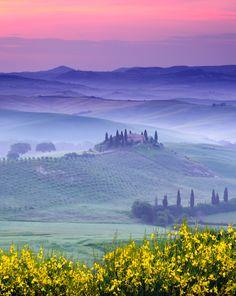 ITALIA - Dawn over Belvedere: San Quirico d'Orcia, Italy da...