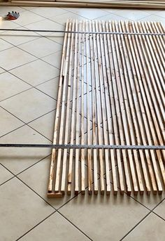Wood Slat Wall, Wood Slats, Metal Walls, Metal Wall Art, Metal Shutters, Diy Room Divider, Bois Diy, Funky Home Decor, Home Room Design