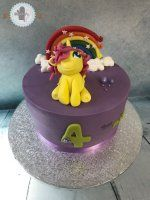 Cake Design Cake, Desserts, Food, Design, Fingerless Mittens, Pie, Postres, Mudpie, Deserts