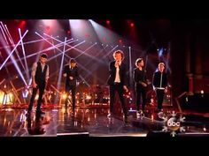 One Direction Dubbed With Bad Singing Is Hilarious--oh my gosh im crying.watch to the end! I love you one direction but this is TOO funny. American Music Awards, Zayn Malik, Niall Horan, One Direction Gif, Canciones One Direction, Midnight Memories, Having A Bad Day, Story Of My Life, Laughing So Hard