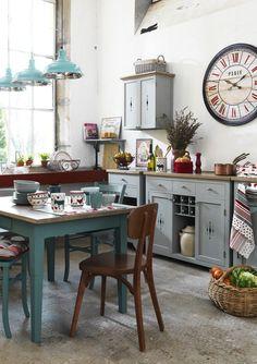 Esse modelo com toque rústico fica muito bem em cozinhas para casa de campo.