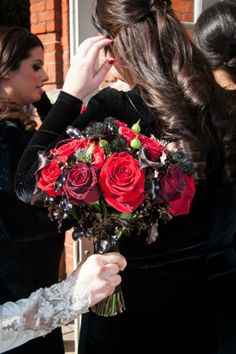Red and black wedding bouquet - black bacara roses and roses, and red roses. Wedding Bouquets, Wedding Flowers, Red Roses, Crown, Black, Fashion, Moda, Corona, Black People
