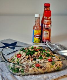 Hella & houkutus: Jauhelihaspaghettia kiinalaisittain Vegetable Pizza, Vegetables, Food, Recipes, Essen, Vegetable Recipes, Meals, Yemek, Veggies