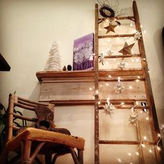 I've always loved old mantels... my obsession for old wood ladders is new... and I've got a few really cool ones in the shop right now :-) open today until 6... stop in for some last minute shopping or a little break from the busyness!  #vintagedecor #cozy #instantcharm #uniquegifts #beunusual #oldisnew #vintageholiday #holidaydecorations #artgallery #shoplocal #vintageshop #devon #eastcotelane