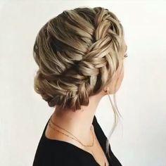 Hairstyle w/ braids