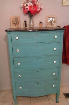 Do THIS to any broken dresser to make it look so gorgeous!