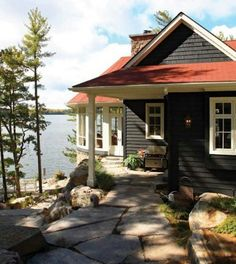 navy and red roof house - exterior colors Lake Cabins, Cabins And Cottages, Lake Cottage, Cottage Living, Mountain Cottage, Exterior Colors, Exterior Design, Exterior Paint, Grey Exterior