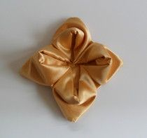 Napkin Folds - Party Planning - Party Ideas - Cute Food - Holiday Ideas -Tablescapes - Special Occasions And Events - Party Pinching