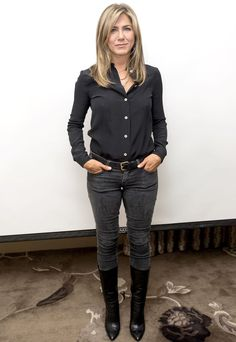 If I Went Fall Shopping With Jennifer Aniston, I'd Suggest These 7 Basics, StyLe and FaSHion 2019 Fashion trends 2019 Source by lynmark Casual Dresses Jennifer Aniston Style, Jenifer Aniston, Black Skinnies, Stylish Outfits, Fashion Outfits, Capsule Wardrobe, Jeans And Boots, Ideias Fashion, Autumn Fashion