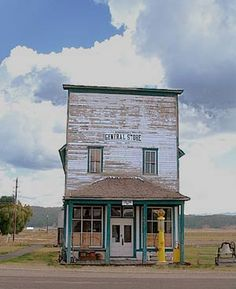 Would be neat as a reclaimed storefront entrance on a different building-- GENERAL STORE . Love old buildings & old towns. Old Buildings, Abandoned Buildings, Abandoned Places, Old General Stores, Old Country Stores, Old Gas Stations, Old Farm, The Ranch, Store Fronts