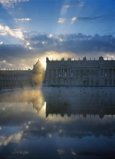 Dawn, Versailles