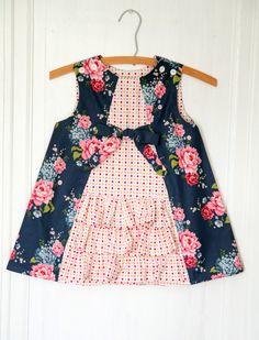 Mädchen-Rüsche Kleid gedruckten Muster: Ruby von TheCottageMama